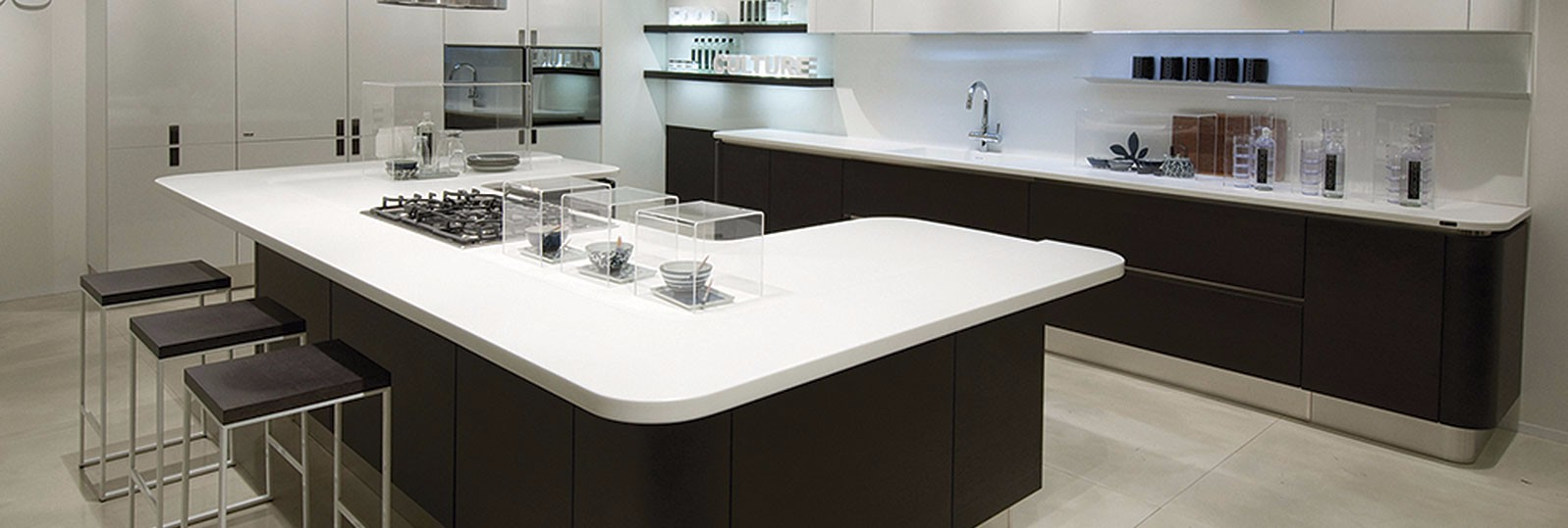 staron-white-kitchen-2